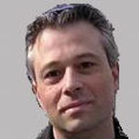 Д-р Каннер А. Андрэ - ведущий врач объединения нейрохирургии медицинского центра Сураски