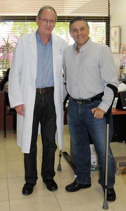 Профессор Кац с пациентом